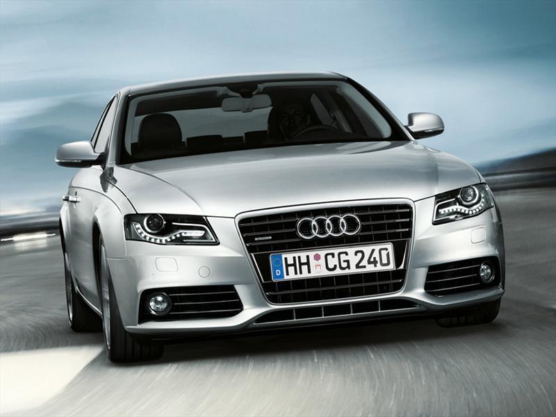 Audi a4 2 0l t sport s tronic quattro 2013