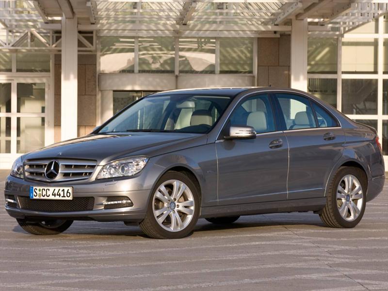 Mercedes Benz Clase C C200 CGI Blue Efficiency 1.8L City (