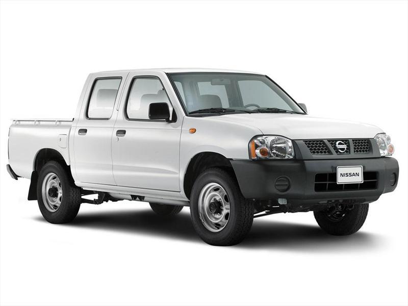 Nissan NP300 2.4L Doble Cabina Típica (2012)