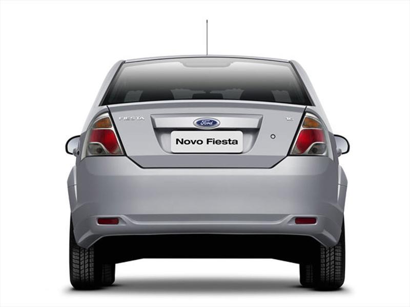 Ford Fiesta Max One Edge Plus  2012