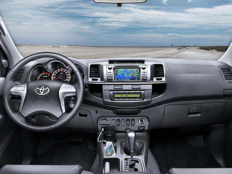 Toyota Hilux Cabina Doble Sr 2017