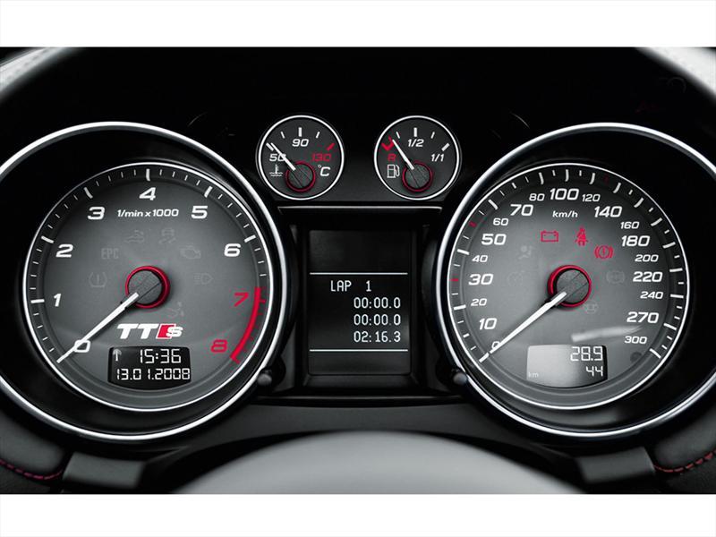 Audi tt s coup 2 0t fsi quattro 2013 for 2000 audi tt window regulator