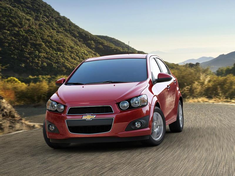 chevrolet sonic lt 2014. Black Bedroom Furniture Sets. Home Design Ideas