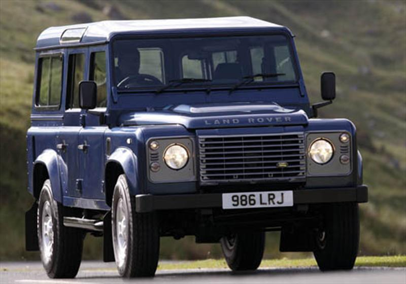 Land Rover Defender 110 Sw 2 4 M 2013