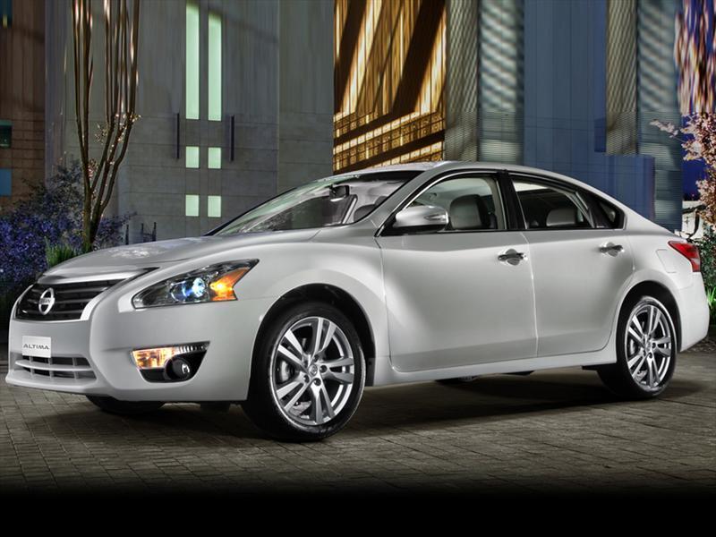 Nissan Altima Sense 2015
