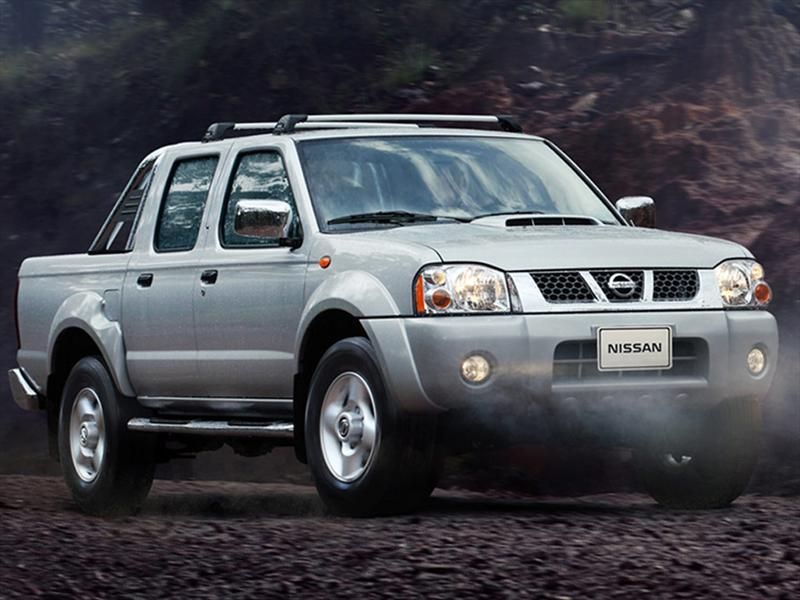 Nissan Frontier LE 2.4L 4x4 (2014)