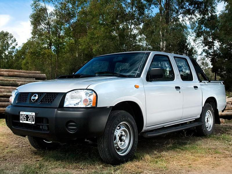 Nissan Frontier Np300 2 4l 4x2 Doble Cabina 2013