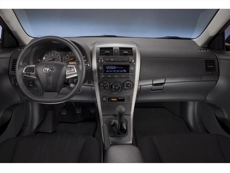 Toyota Corolla Xle 1 8l Aut 2013
