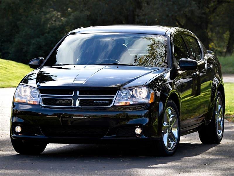 Dodge Avenger SXT 2.4L Aut Sport  (2013)