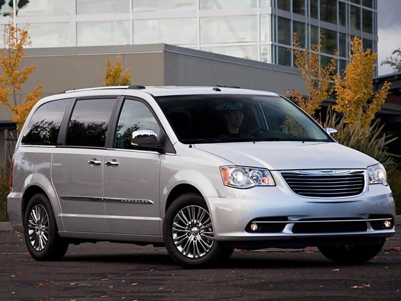 chrysler town and country informaci n 2016. Black Bedroom Furniture Sets. Home Design Ideas