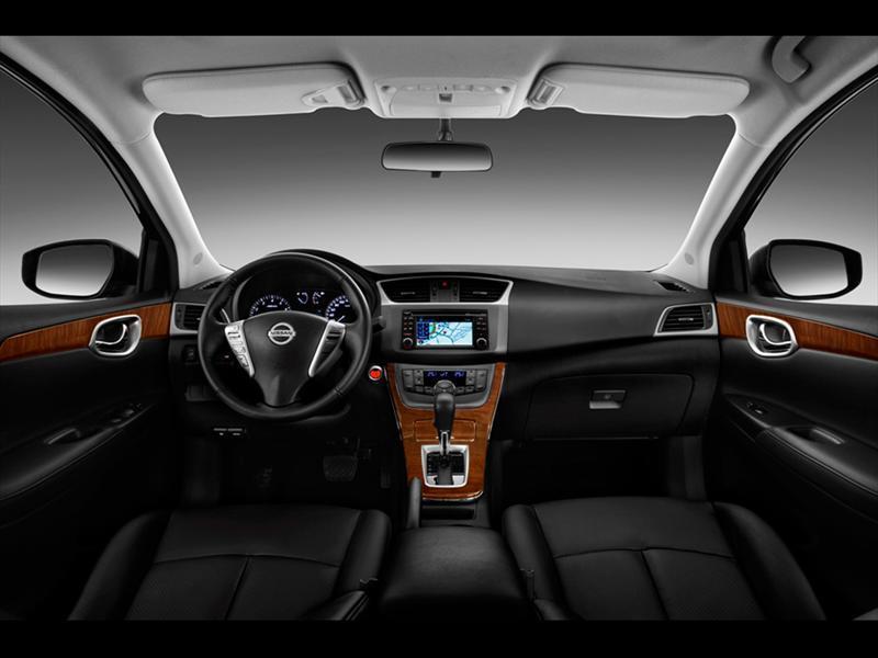 Nissan Sentra Exclusive NAVI Aut (2015)