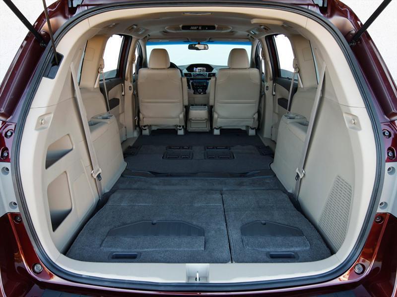 Honda Odyssey Touring Tire Size