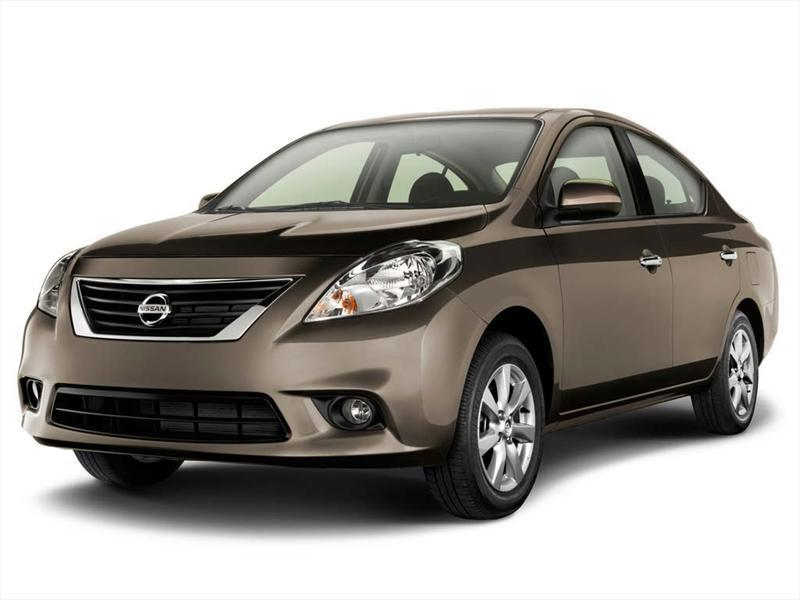 Nissan Versa Advance  (2014)