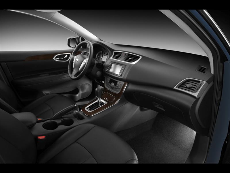 Nissan Sentra SR NAVI Aut (2016)