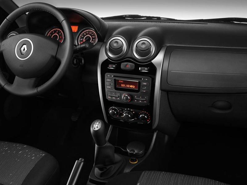 Renault Logan 1 6 Pack Ii  2013