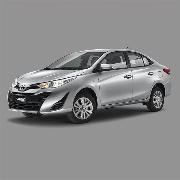 foto Toyota Yaris Sedán Core nuevo color A elección precio $223,000