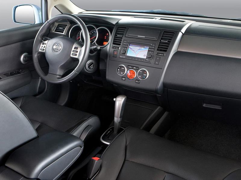 2015 Nissan Maxima >> Nissan Tiida Hatchback Tekna (2015)
