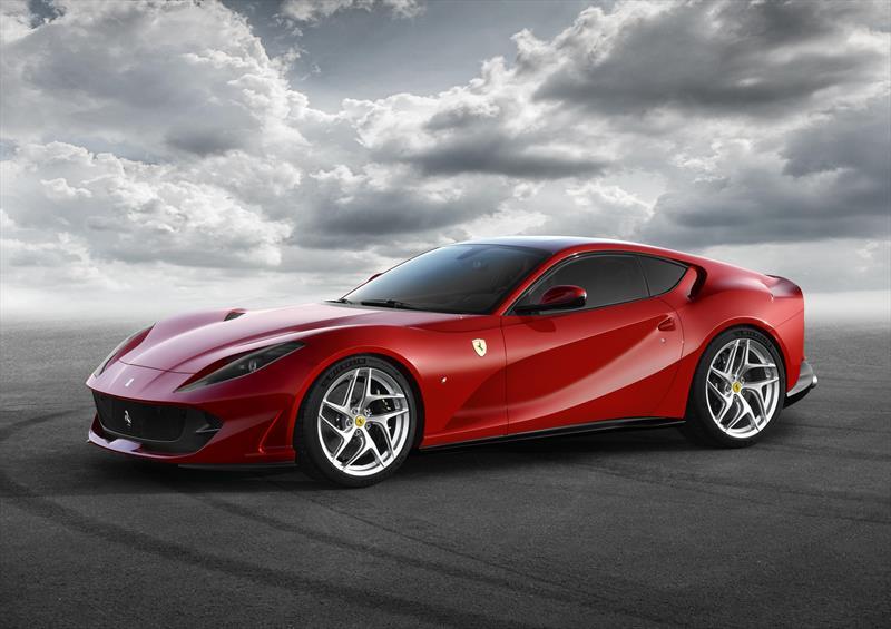 foto Ferrari 812 SuperFast