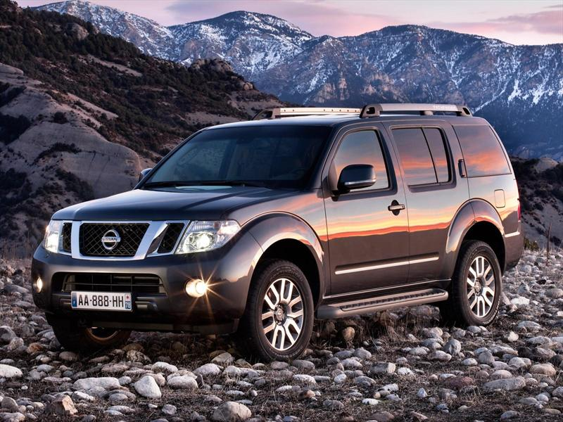 Nissan Pathfinder LE 2.5L Diesel (2013)