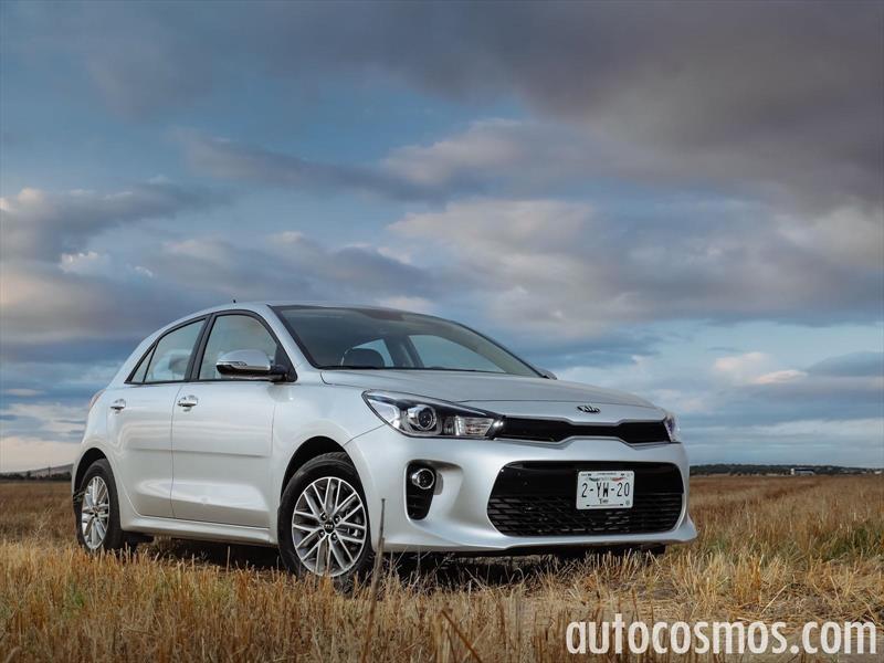 foto Kia Rio Hatchback LX nuevo