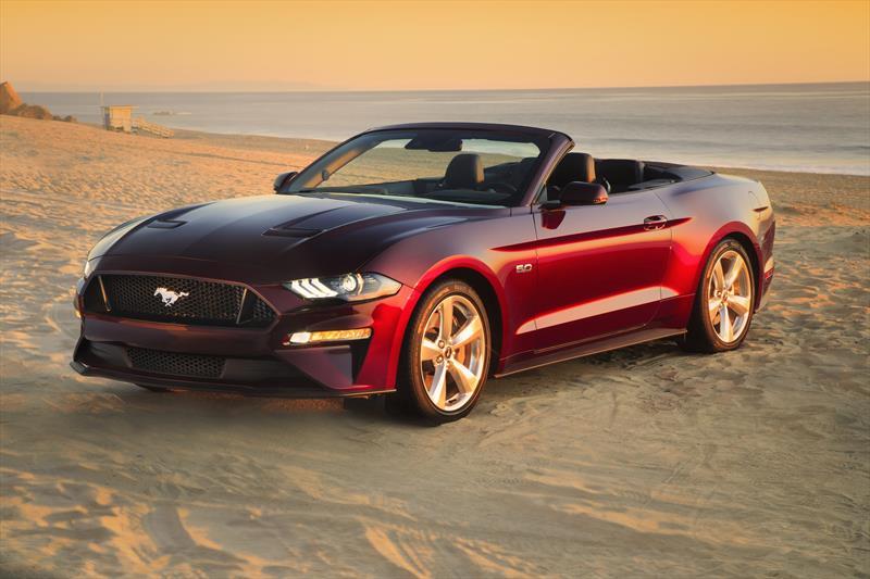foto Ford Mustang GT 5.0L V8 Convertible Aut nuevo color A elección precio $1,020,400