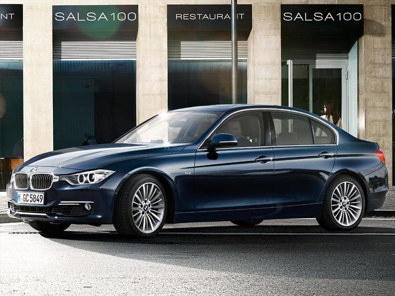 foto BMW Serie 3 330i Sport Line