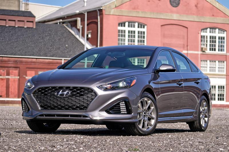 foto Hyundai Sonata financiado en cuotas ( GLS ) Enganche $77,780 Mensualidades desde $7,945