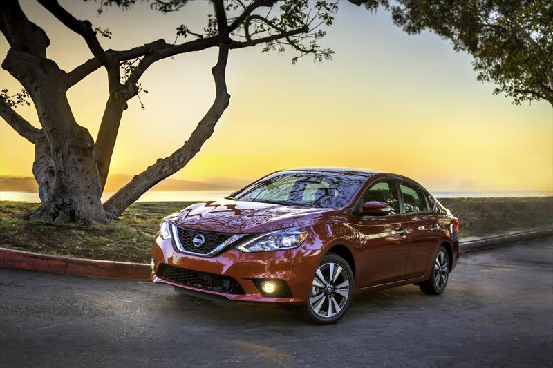 foto Nissan Sentra Sense Aut nuevo