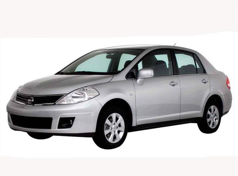 Nissan Tiida Sedan 1 8l Aut 2014