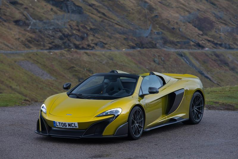 foto McLaren Automotive 675 LT Spider