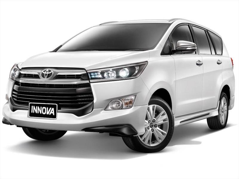 foto Toyota Innova SRV 2.7 Aut 8 Pas nuevo color A elección precio $3.347.800