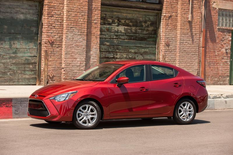 foto Toyota Yaris R XLE Aut nuevo color A elección precio $294,300