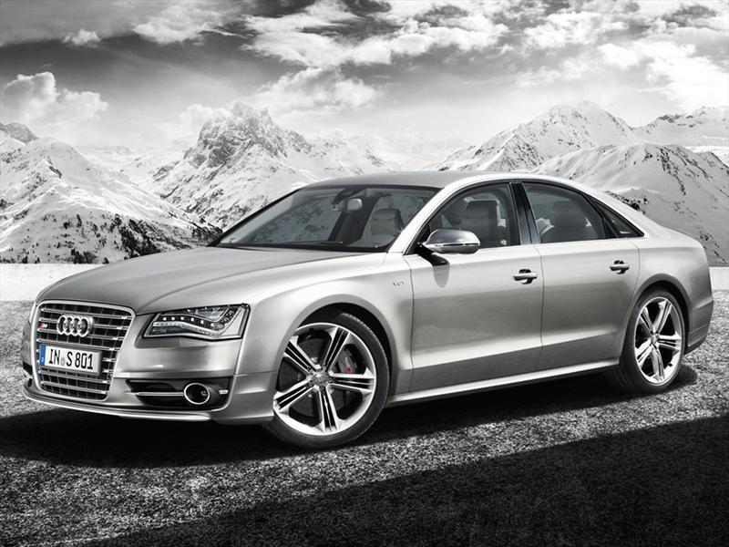 foto Audi Serie S S8 Plus 4.0L T FSI (605 hp)