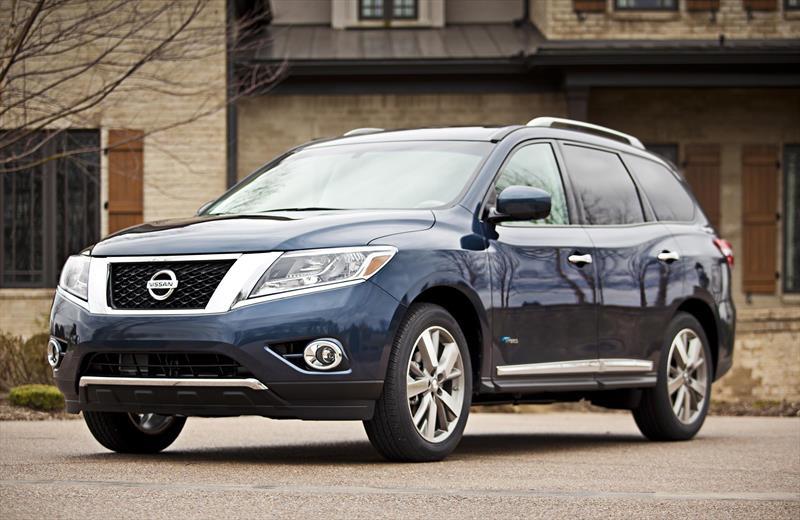 Nissan Pathfinder Exclusive (2014)