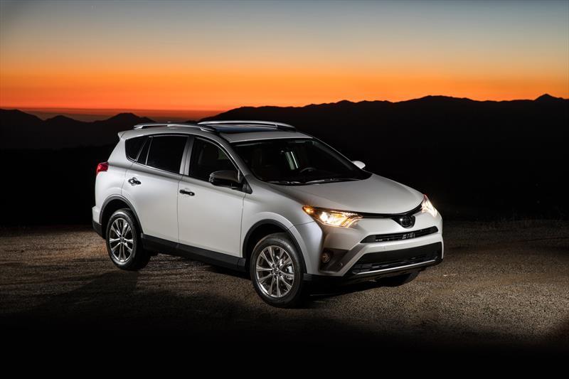 foto Toyota RAV4 XLE Plus 4WD nuevo