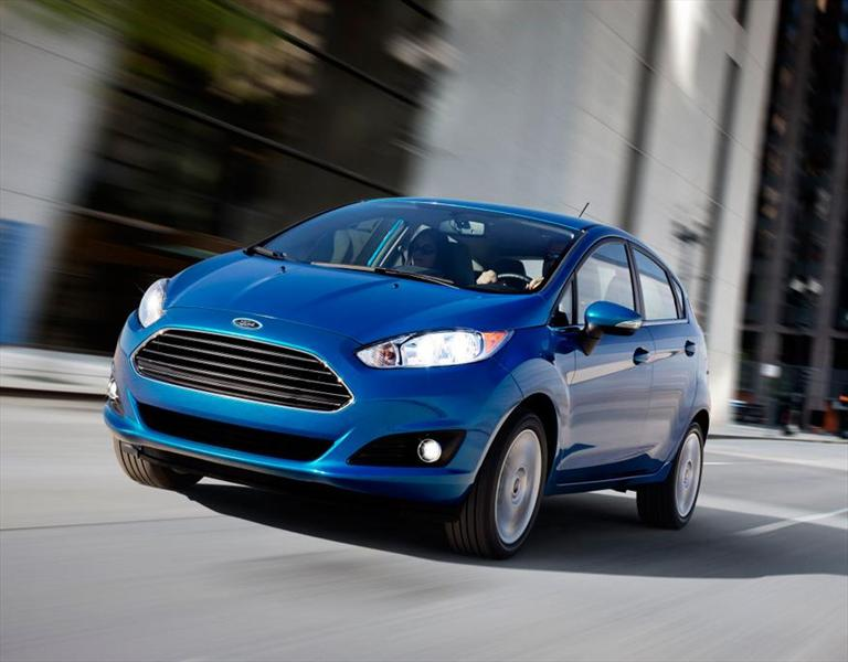 Ford Fiesta Kinetic Titanium (2014)