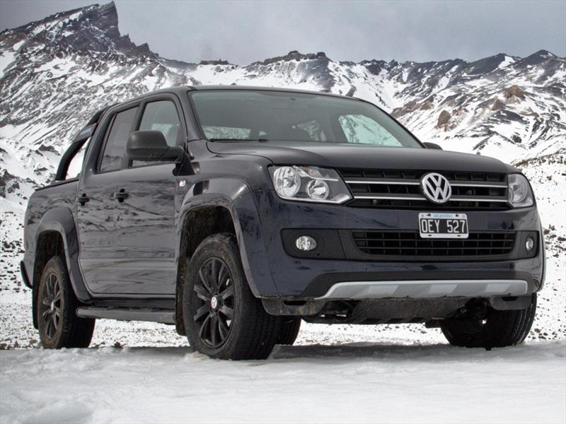 volkswagen amarok dc 4x4 dark label 2015. Black Bedroom Furniture Sets. Home Design Ideas