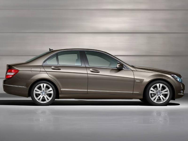 Autos nuevos mercedes benz precios clase c for Mercedes benz precios