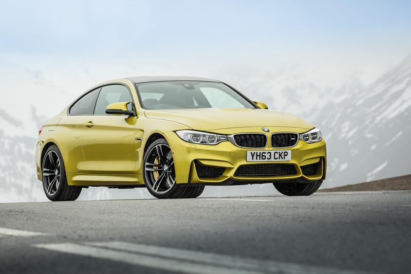 foto BMW Serie M M4 CS Coupé
