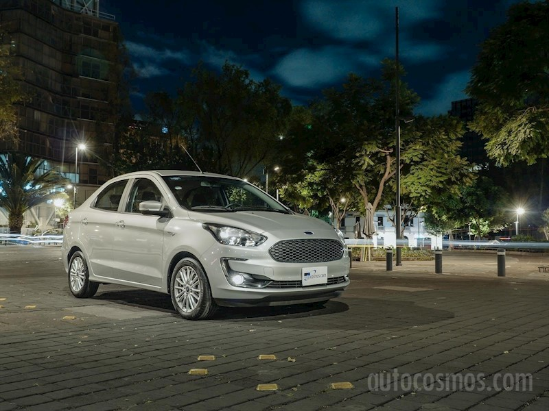 foto Ford Figo Sedán Impulse A/A