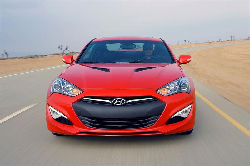 Hyundai Genesis Coupé 2 0T 2016