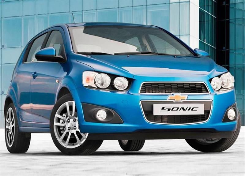 chevrolet sonic hatchback 1 6 lt aut 2016. Black Bedroom Furniture Sets. Home Design Ideas