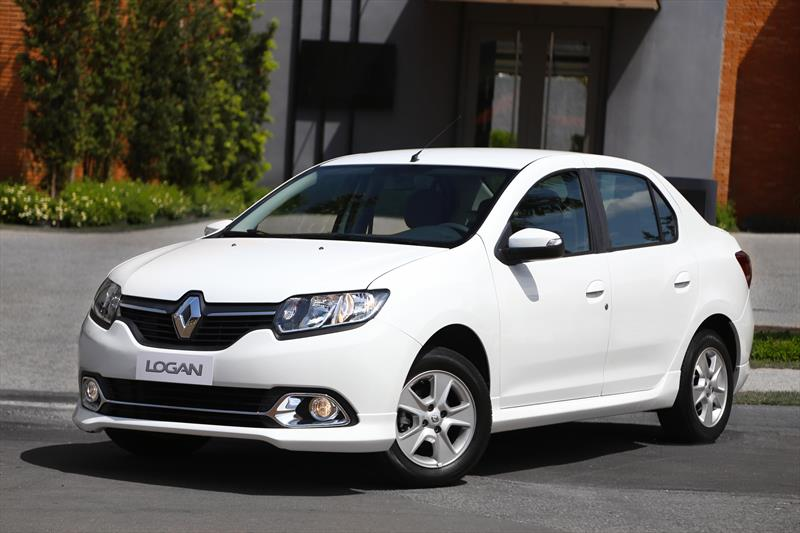 foto Renault Logan Intens Aut nuevo
