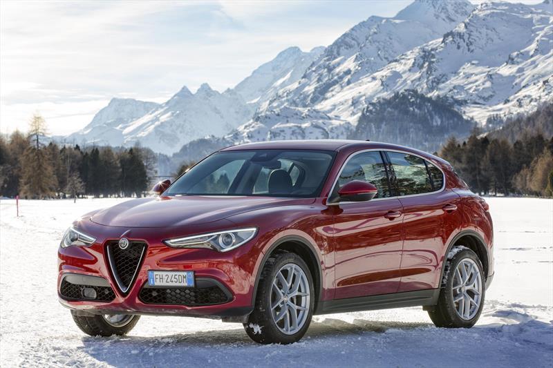 foto Alfa Romeo Stelvio Veloce