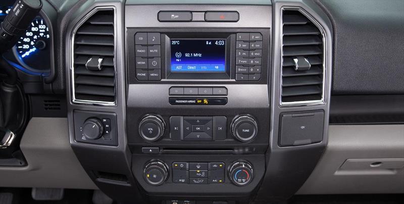 Ford F-150 Doble Cabina 4x2 V8 (2016)
