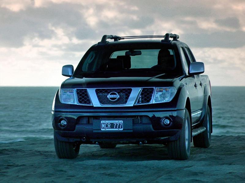 Nissan Frontier 4x4 2.5 TDi Attack Aut (2014)