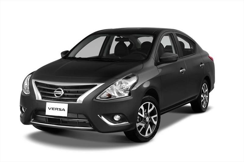foto Nissan Versa Advance nuevo