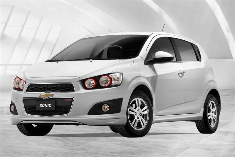 chevrolet sonic hatchback 1 6 lt rs aut 2014