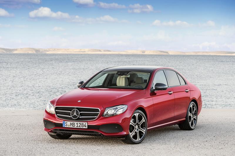 foto Mercedes Benz Clase E 200 CGI Exclusive nuevo