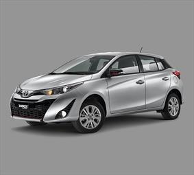 Toyota Yaris 5P 1.5L Core nuevo color A eleccion precio $236,100